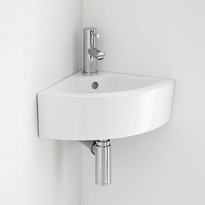 Ahorrar espacio con el lavabo o lavamanos angular.
