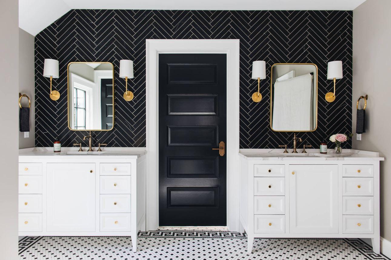 Texturas de color con azulejos negros en la pared y azulejos blanco y negro en el piso.